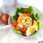 Sałatka z jajek i szpinaku